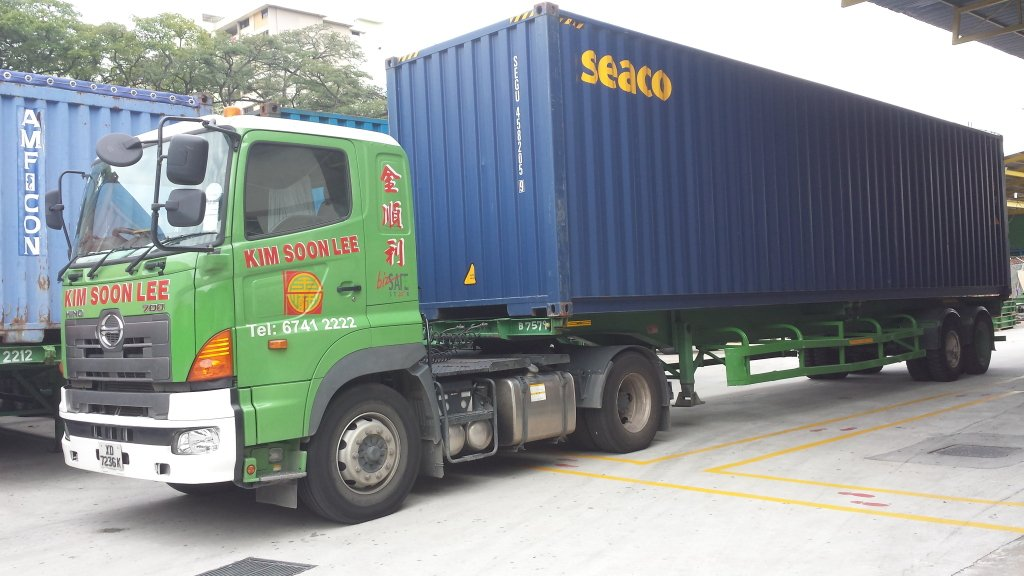 container trucking1